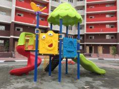 Детские площадки из пластика: плюсы и минусы